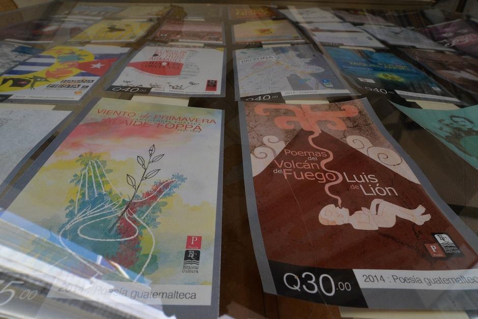 También dona material a bibliotecas que llenen ciertos requisitos. (Foto: Wilder López/Soy502)