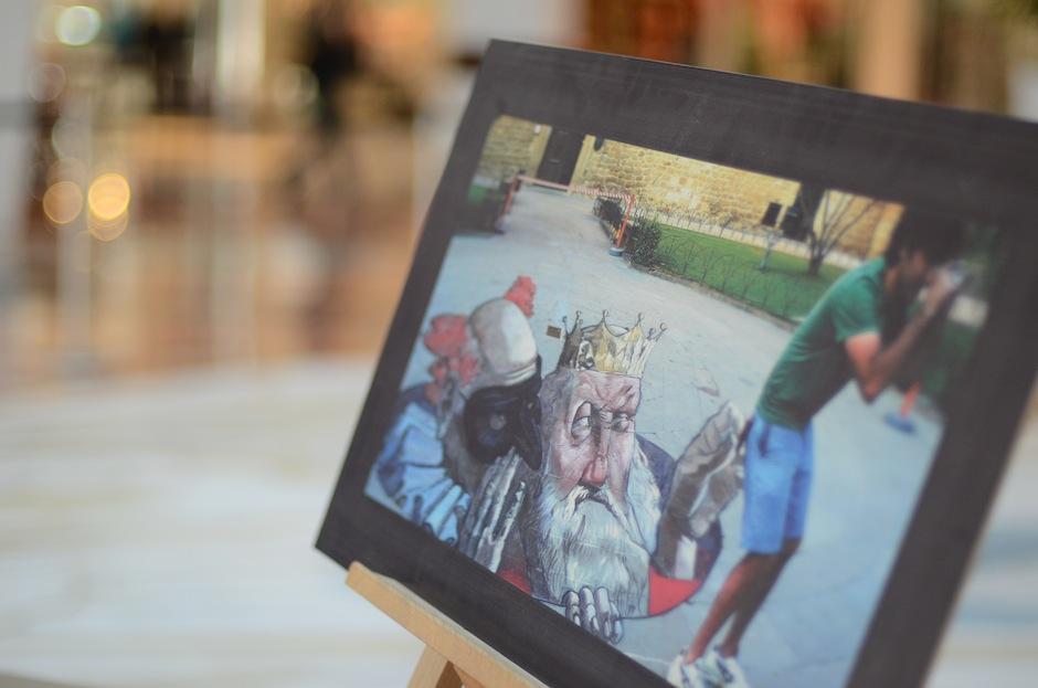 Eduardo Relero expuso además las obras que ha realizado en distintas ciudades del mundo. (Foto: Esteban BIba/Soy502)