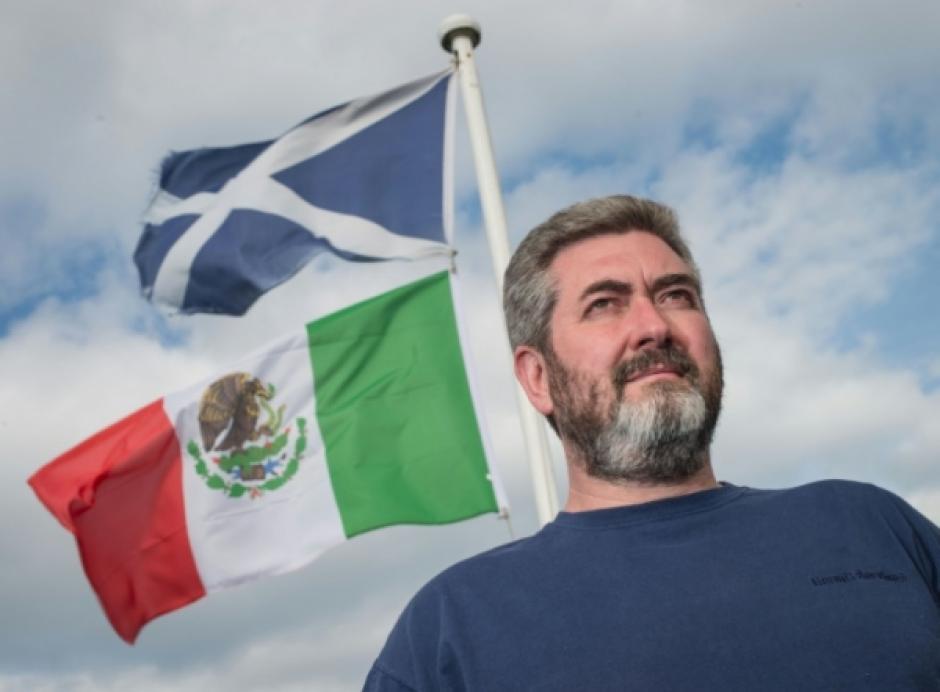 David Milne se solidariza con el pueblo mexicano. (Foto: Metrolibre)