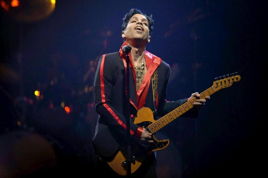 Autoridades revelaron que Prince murió por usar fentanyl derivado del opio. (Foto: EFE)
