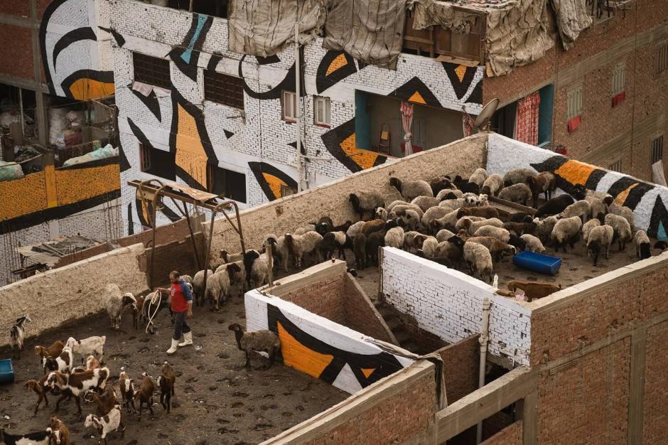 Aquí viven 60 mil personas que sobreviven reciclando el 80% de los desechos de la capital egipcia. (Foto: mixedgrill.nl)