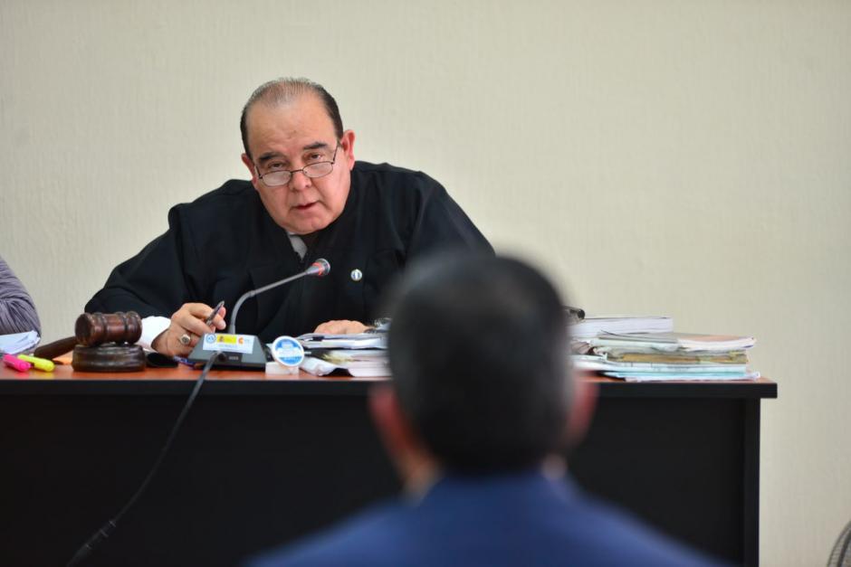 Walter Villatoro es el juez que lleva este nuevo caso de corrupción. (Foto: Jesús Alfonso/Soy502)
