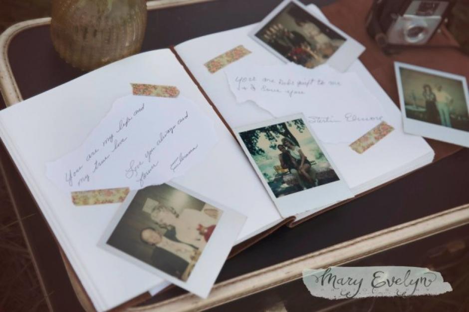Los Elmore desempolvaron sus recuerdos y sacaron el álbum familiar. (Foto: buzzfeed.com)