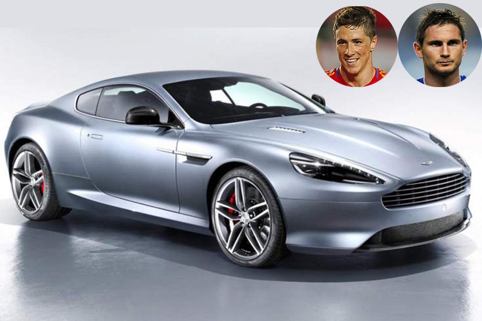 """Fernando """"El Niño"""" Torres y Frank Lampard tienen el Aston Martin DB9, un automóvil deportivo de gran turismo de alto impacto mundial. Al igual que sus predecesores, el nombre 'DB' alude a David Brown, antiguo propietario de Aston Martin."""