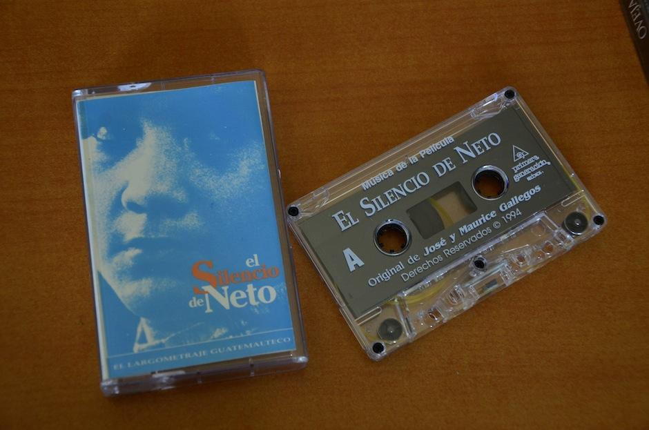 Iván posee piezas históricas de Primera Generación Records. (Foto: Selene Mejía/Soy502)