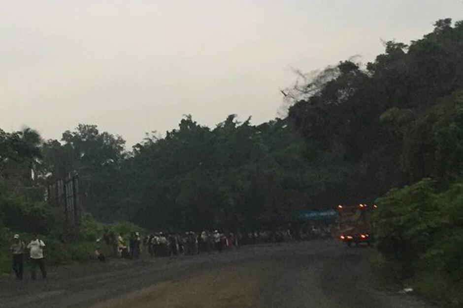 El paso de El Zarco, en el kilómetro 180 de la ruta Interamericana también se encuentra bloqueado. (Foto: TransitoPNC)