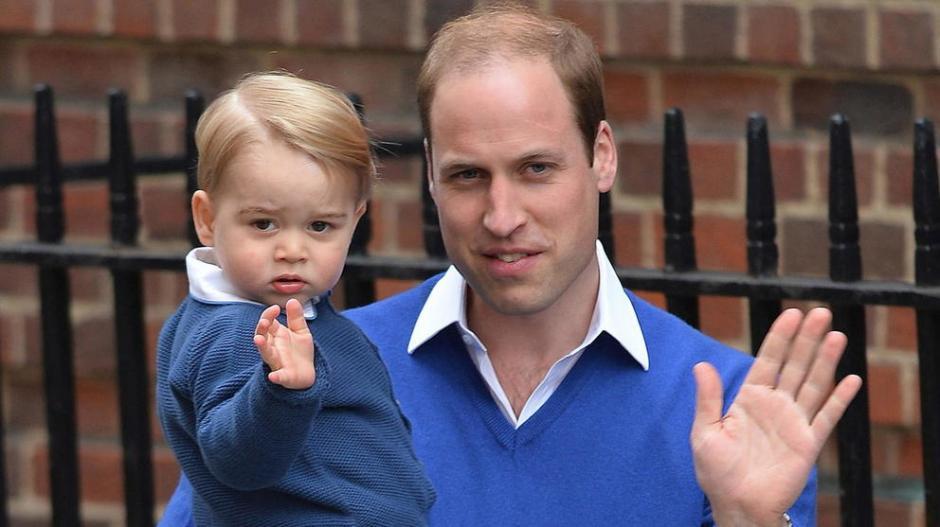 Guillermo y el pequeño Jorge de Cambridge tienen un gran parecido. (Foto: elconfidencial.com)