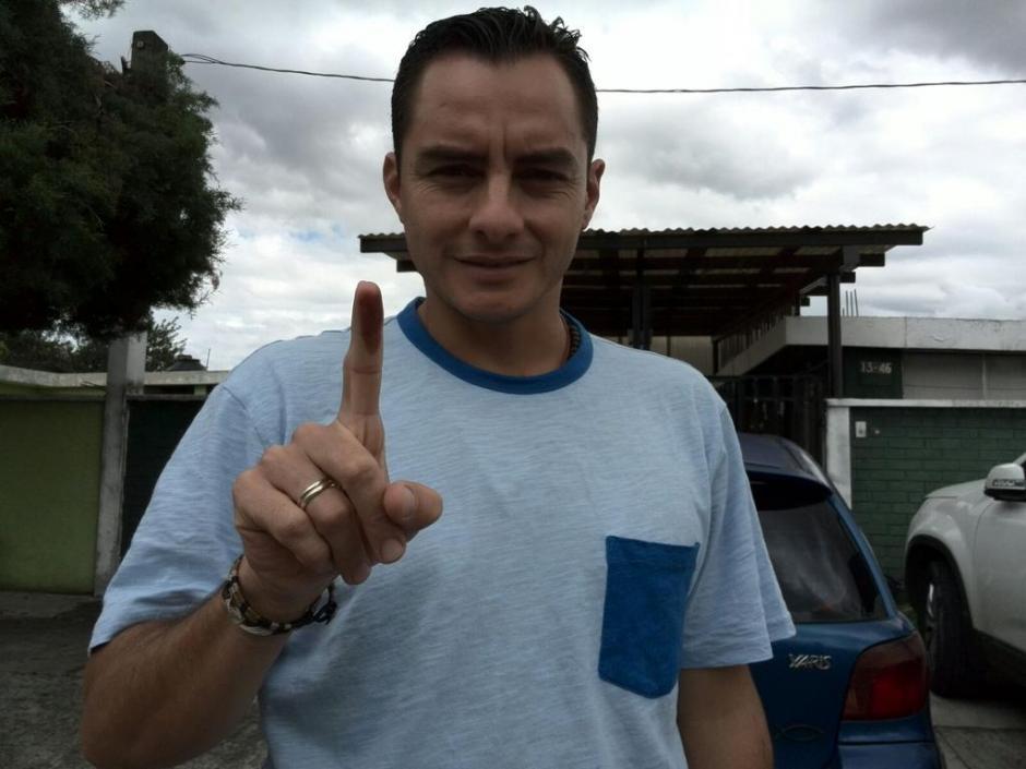 Carlos Figueroa, representante de la Asociación de Futbolistas de Guatemala, votó también este 6 de septiembre. (Foto: Cortesía)
