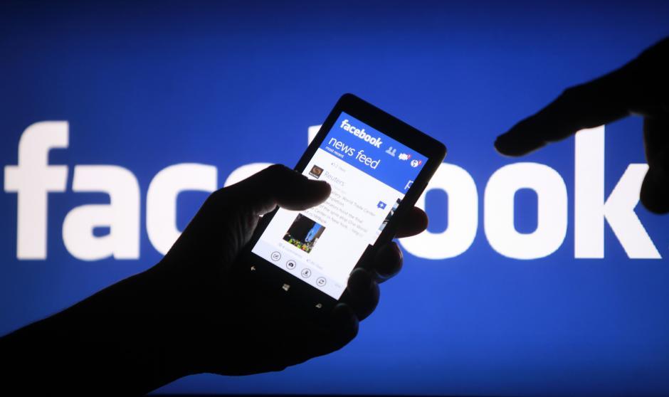 Los usuarios que no dicen la verdad en Facebook mantienen un nivel alto de estrés. (Foto: enlistados.net)