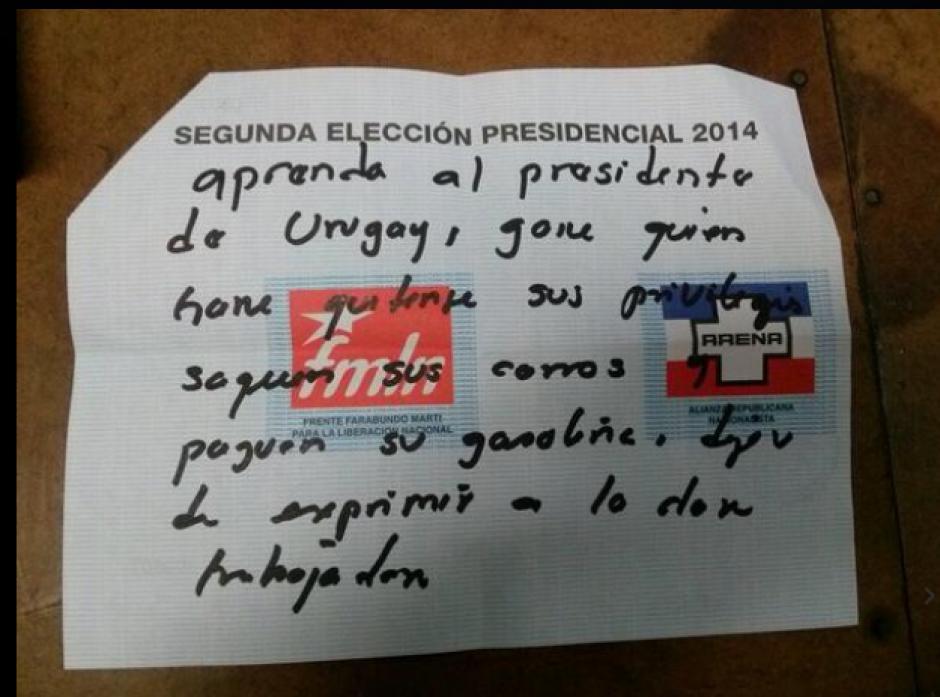 """Mensajes de todo tipo se leyeron en los """"votos nulos"""". (Foto: El Mundo)"""