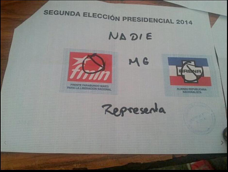 """Otra """"inscripción"""" en un voto. (Foto: El Mundo)"""