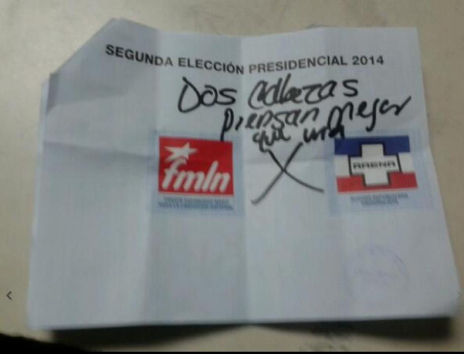 Otra inscripción en el voto. (Foto: El Mundo)
