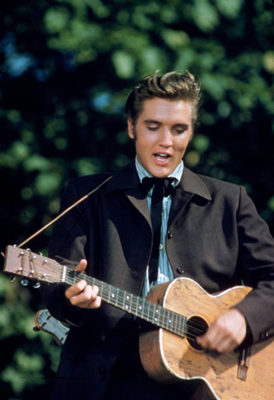 Por la versatilidad de su voz, Presley interpretó magistralmente géneros como R&B, soul, góspel y country. Entre sus éxitos más recordados están Heartbreak Hotel, Love me tender, That's alright, Hound dog, Jailhouse rock, Don´t be cruel, It's now or never, Suspicious mind, Are you lonesome tonight?, entre otros.