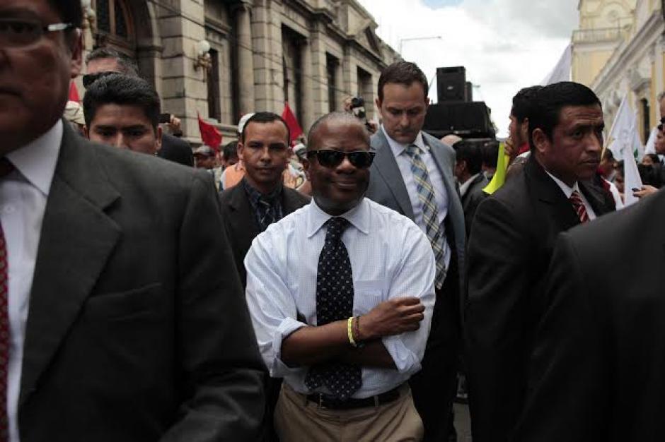 El embajador norteamericano acudió a la marcha convocada por Plataforma Nacional para la Reforma del Estado. (Foto: EFE)