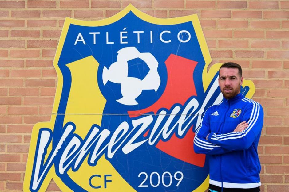 El goleador argentino fue presentado este viernes con su nuevo equipo. (Foto: Atlético Venezuela CF/Facebook)