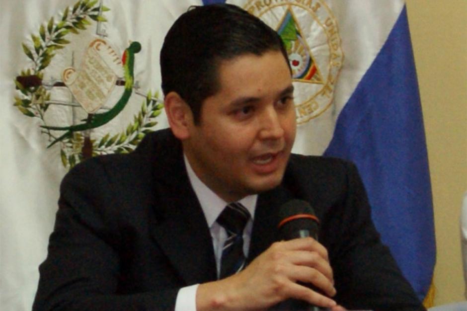 El Subdirector General del Congreso, Emilio Dávila, dijo haber recibido amenazas de muerte. (Foto: Agencia de Información Pública)