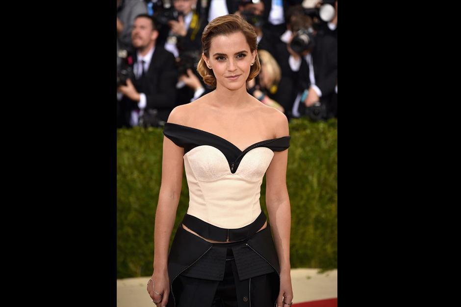 Emma Watson, no solo impactó con el innovador diseño de su vestido sino por el material con el que fue hecho. (Foto: AFP)