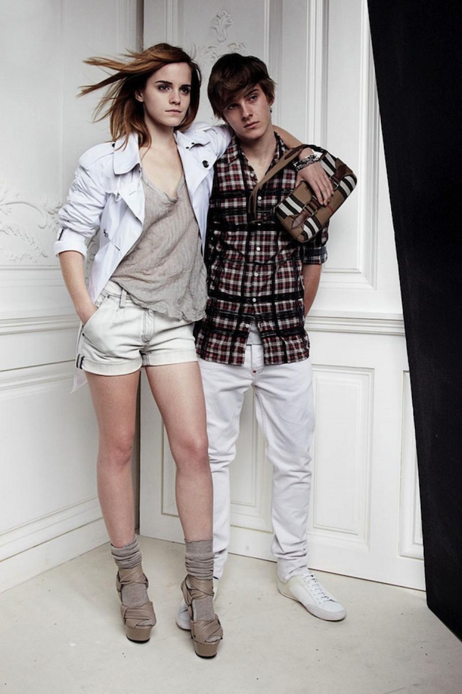 El joven es una estrella del modelaje y ha posado junto a su hermana. (Foto: Burberry)