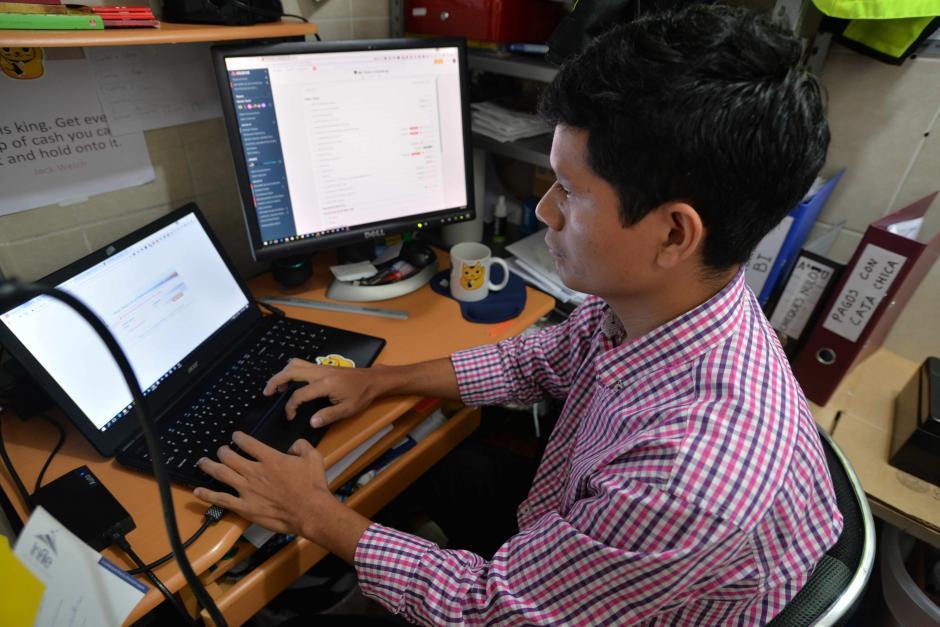 El ingeniero empresarial dirige en la actualidad una tienda en línea. (Foto: Wilder López/Soy502)