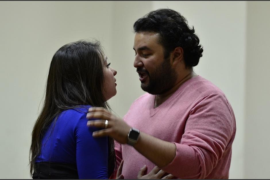 Los nervios afloran a pocos días de la presentación de Rigoletto. (Foto: Selene Mejía/Soy502)