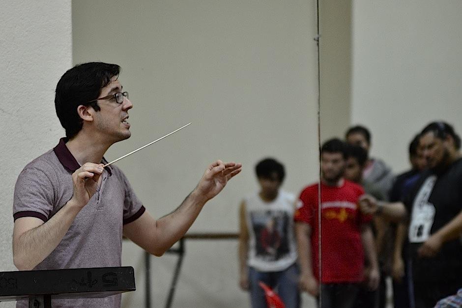 El israelí Nimrod Pfeffer dirige esta imperdible ópera. (Foto: Selene Mejía/Soy502)
