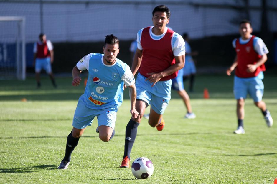 Stefano Cincotta y Luis Cardona, en la práctica de la Selección. (Foto: Luis Barrios/Soy502)