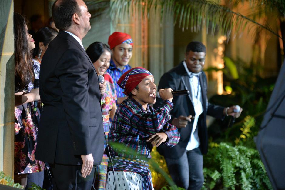 Los raperos participaron en el Acto Solemne del 20 Aniversario de los Acuerdos de Paz. (Foto: Wilder López/Soy502)