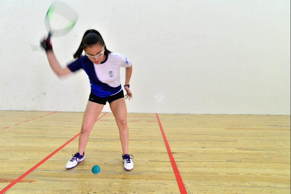 Gaby, de 16 años, tiene mucho futuro en el raquetbol. (Foto: Archivo)