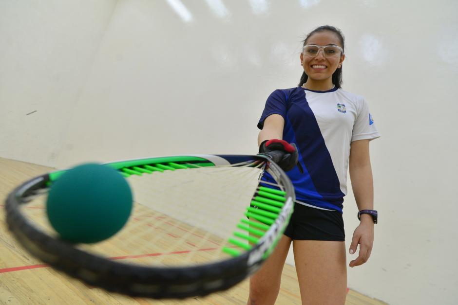 Ana Gabriela Martínez, la hexacampeona mundial juvenil de raquetbol es orgullosamente guatemalteca. (foto: Wilder López/Soy502)