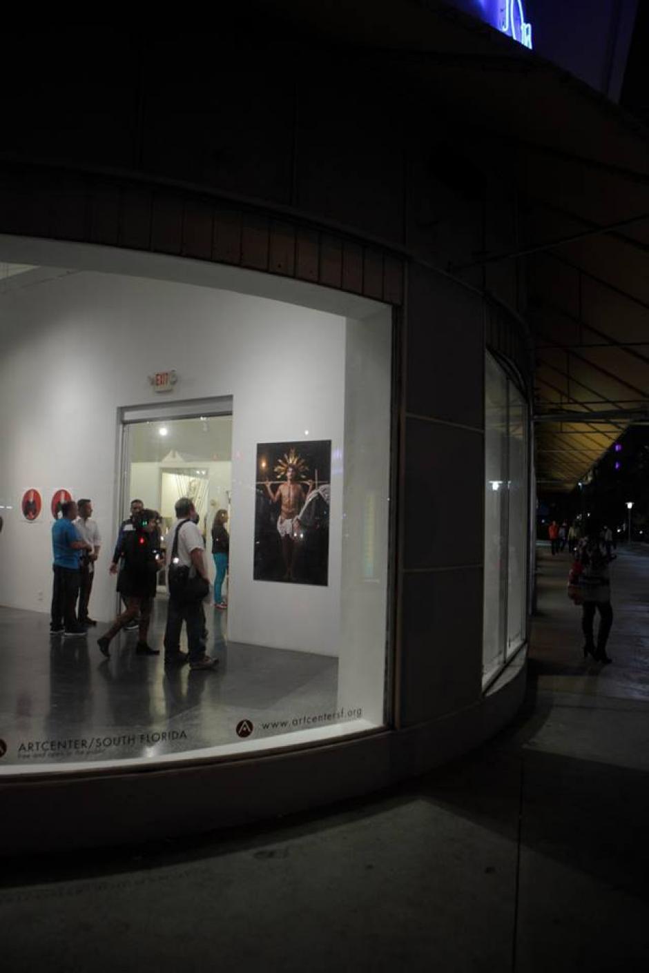 """Piezas de las colecciones """"Fábrica de Santos y """"La Venganza"""" son las que se exhiben. (Foto: Facebook/Eny Roland)"""