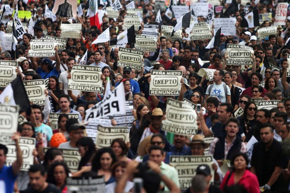 Los manifestantes exigieron la renuncia de Peña Nieto. (Foto: www.infobae.com)