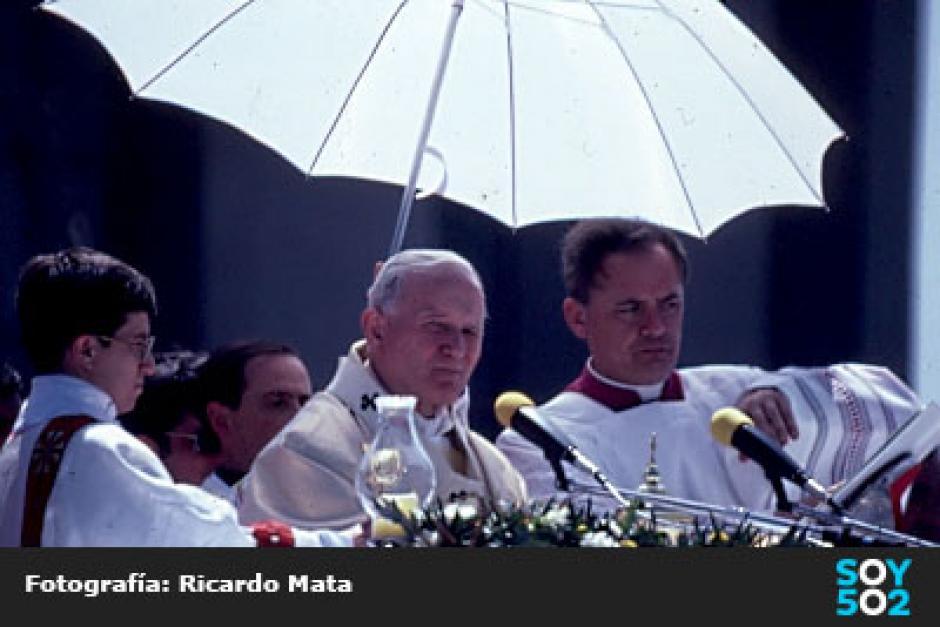 La exposición de Mata se realizará por la canonización de Juan Pablo II. (Foto: Ricardo Mata)