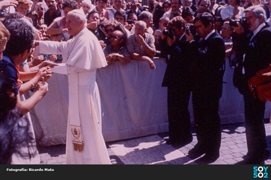 Ricardo Mata documentó las visitas del Papa Juan Pablo II a Guatemala. (Foto: Ricardo Mata)