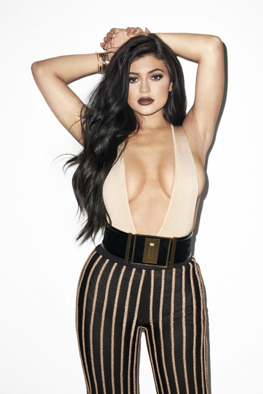 Kylie se ha destacado por su escote. (Foto: Instagram)