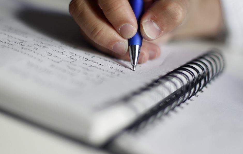Escribir en papel ejercita tu cerebro. (Foto: infosabio)