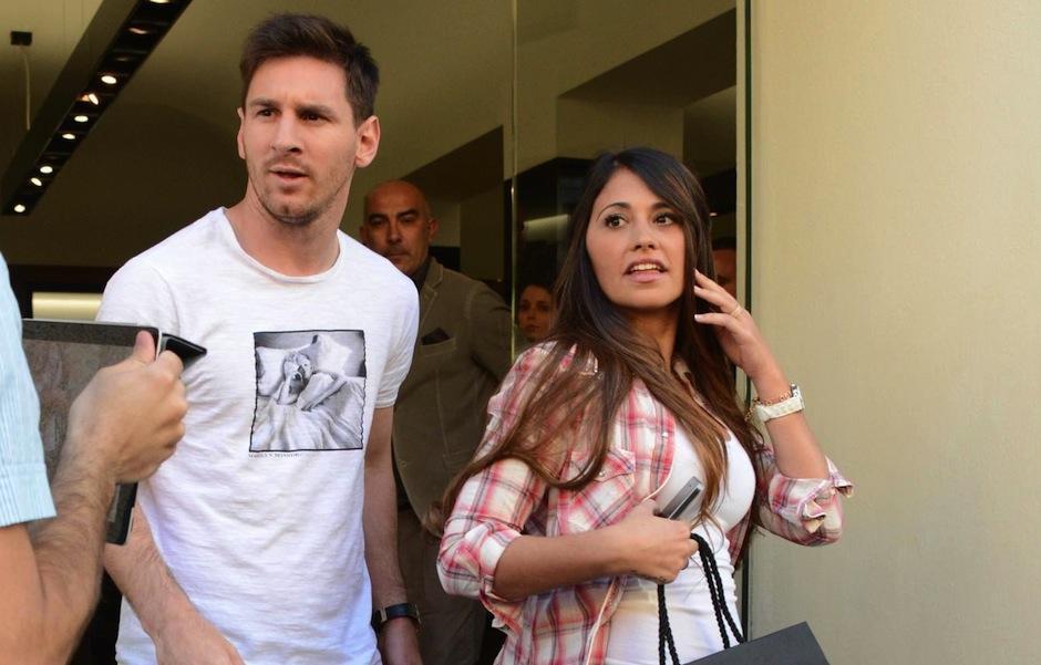 Antonella Roccuzzo, pareja de Messi grabó la salida de ambos del estadio luego de un encuentro. (Foto: televicentro.com)