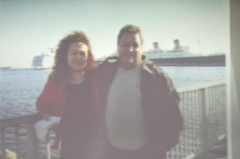 El MP presentó la fotografía del empresario fallecido y su esposa, la principal sospechosa de planificar su muerte por quedarse con el patrimonio. (Foto: Jesús Alfonso/Soy502)