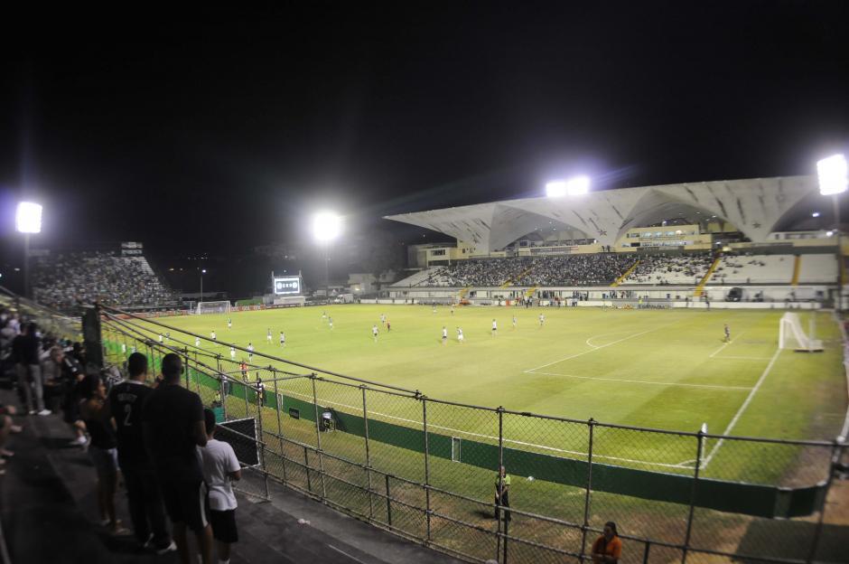 Una panorámica del estadio Luso Brasileiro, donde juega de local Botafogo. (Foto: Aldo Martínez/enviado especial de Nuestro Diario)