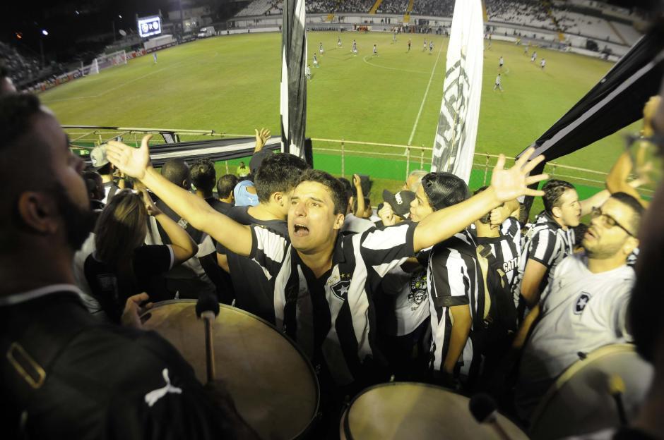Los brasileños hacen del estadio de fútbol una auténtica fiesta. (Foto: Aldo Martínez/enviado especial de Nuestro Diario)