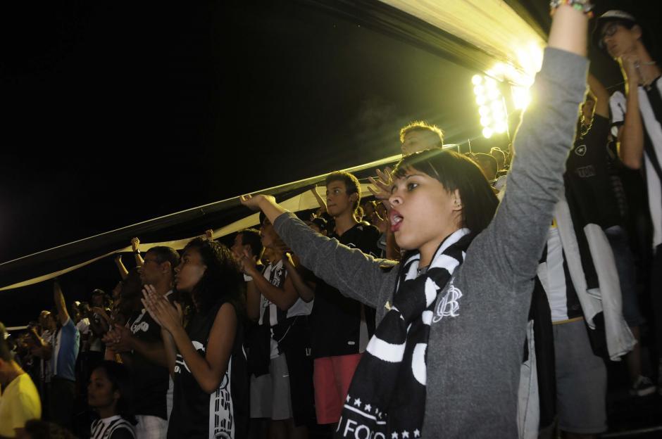 Muchas mujeres y niños también se ven en las canchas del fútbol brasileño (Foto: Aldo Martínez/enviado especial de Nuestro Diario)