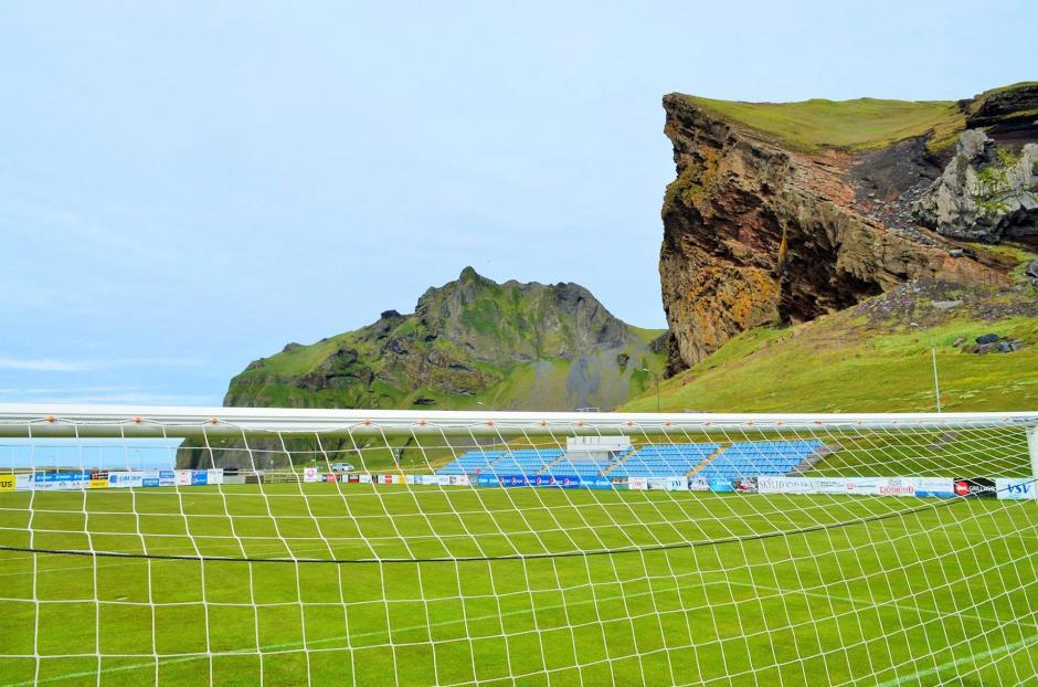 Los estadios de Islandia son pequeños. (Foto: Infobae)