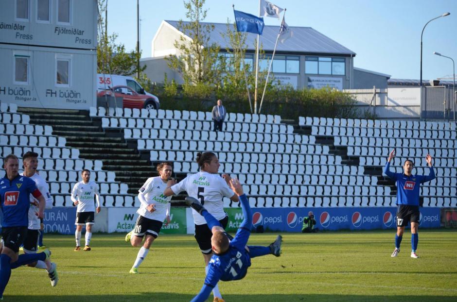 La mayoría de jugadores de la liga islandesa tiene otro trabajo. (Foto: Infobae)