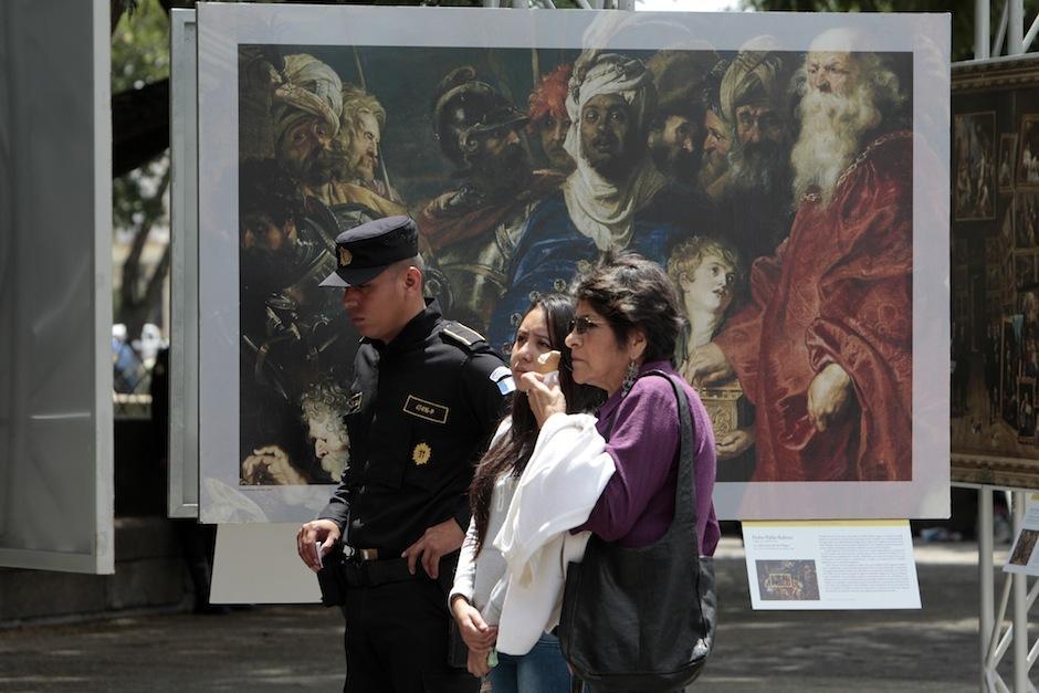 Los guatemaltecos podrán disfrutar de estas piezas de arte expuestas en la 8a calle y 6a avenida de la zona 1. (Foto: Esteban Biba/EFE)