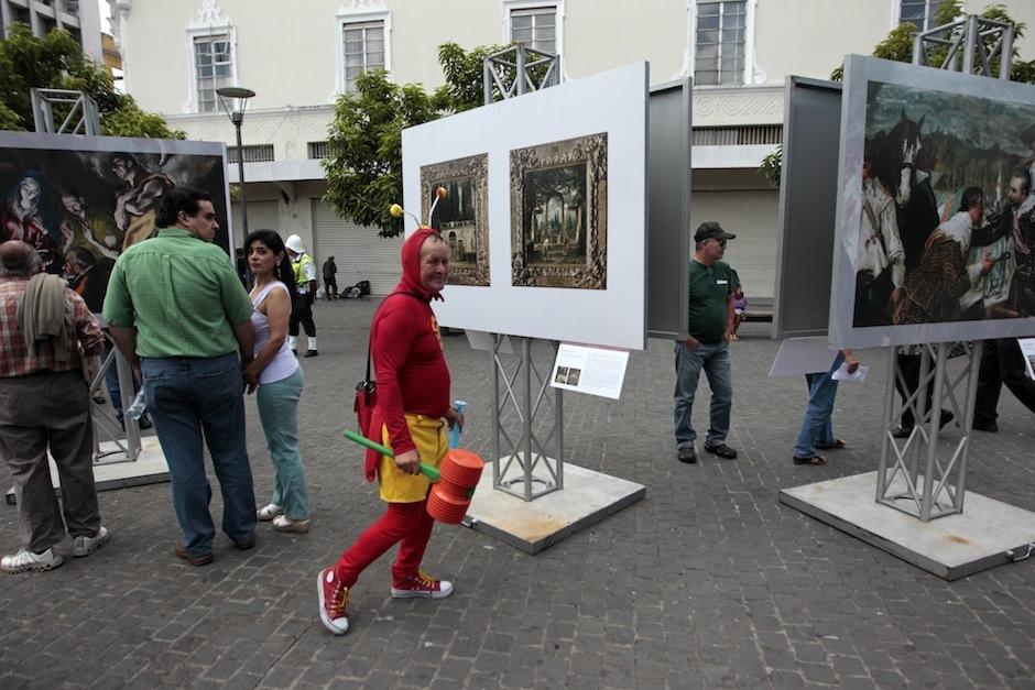 Curiosos personajes disfrutaron de la inauguración del Museo del Prado. (Foto: Esteban Biba/EFE)