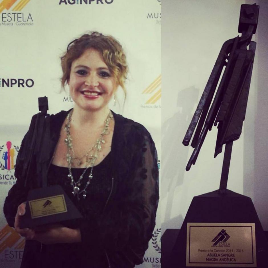 Abuela Sangre de Magda Angélica recibió el premio a la Canción. (Foto: Magda Angélica)