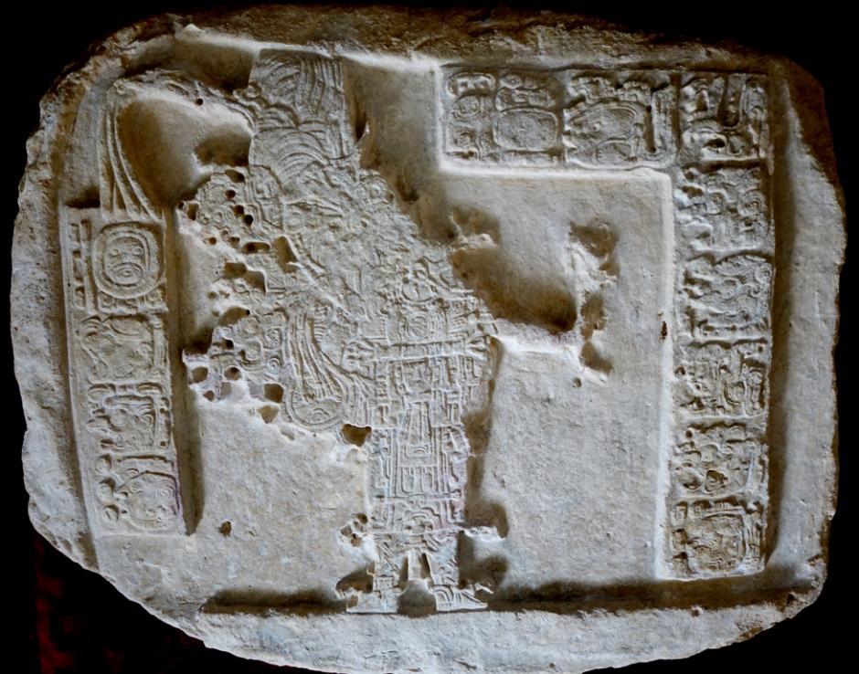 Arqueólogos del Proyecto La Corona en Petén, Guatemala, hicieron el hallazgo de piezas prehispánicas de este sitio, así como de El Achiotal. (Foto: Cortesía Ministerio de Cultura y Deportes)