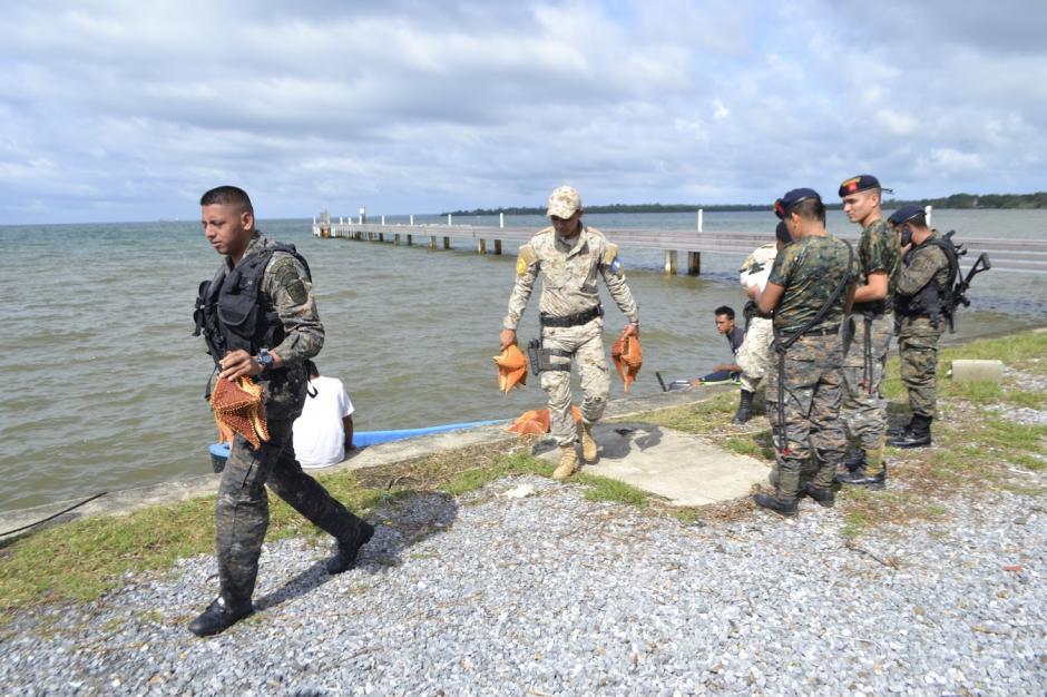 La lancha fue interceptada por militares. (Foto: Carlos Cruz/Nuestro Diario)