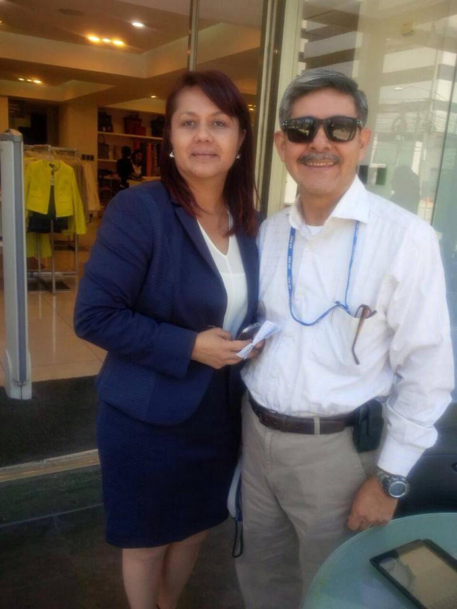 La ministra Eunice Mendizábal y su asesor fantasma Otto Gramajo.