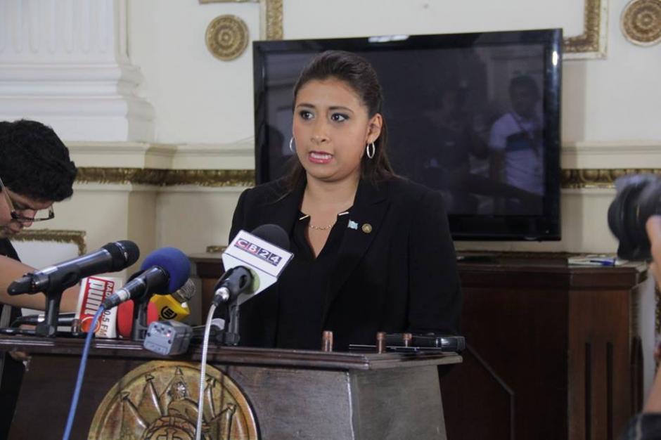 La diputada Eva Monte presentó la enmienda para que no se elimine el antejuicio. (Foto: Archivo/Soy502)