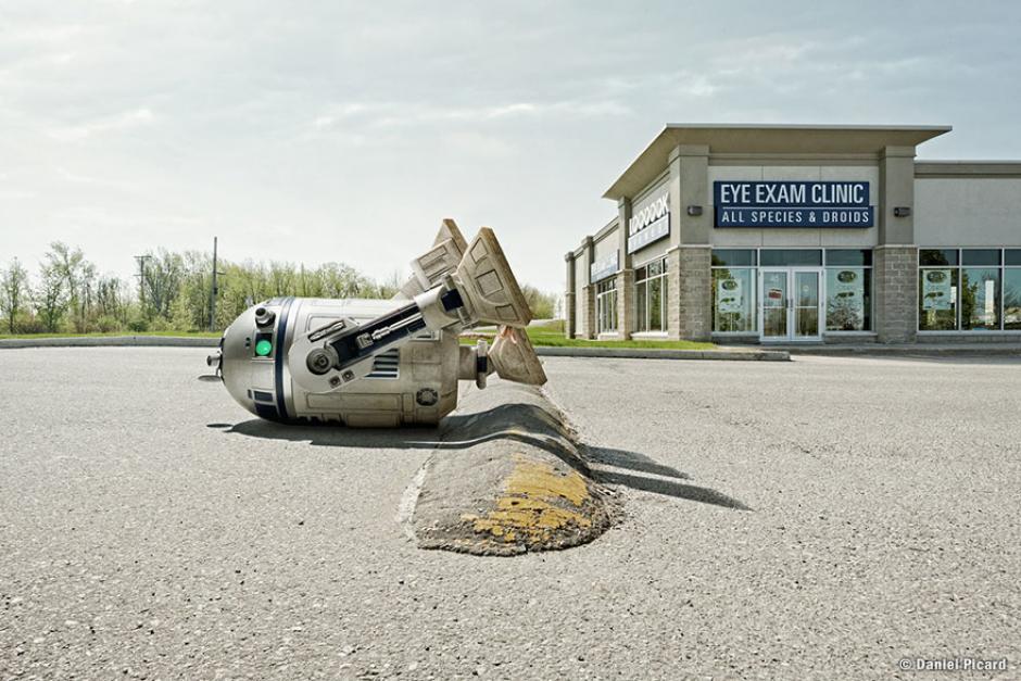 Transitar por la calle es un poco difícil a veces para R2-D2, especialmente con obstáculos como este. (Foto: Daniel Picard)